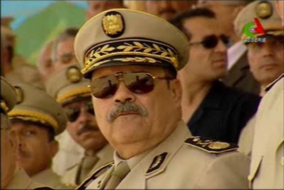 Le General Mohamed Lamari