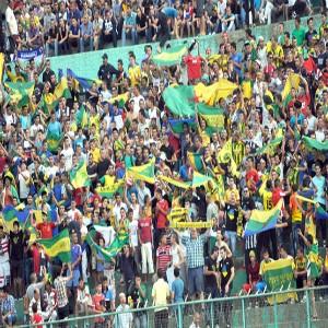 Une minute de silence perturbée dans le stade Ahmed Zabana, à la mémoire de Hocine Aït Ahmed