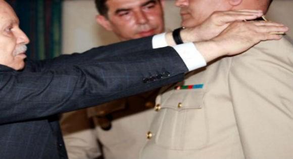 Après les terroristes, Bouteflika Blanchi les criminels du DRS
