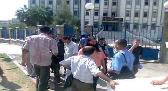 Tizi-Wezzu: La police ridiculise les journalistes locaux
