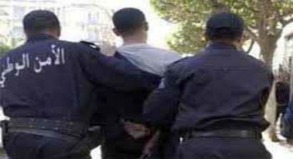 TIZI-WEZZU: 3 trafiquants de drogue arrêtés