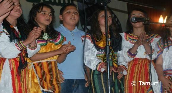 Festival du chant patriotique amazigh à Bgayet