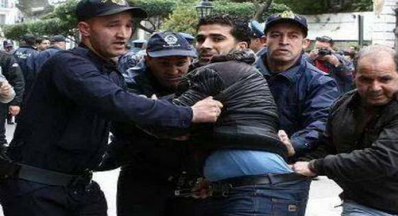 embarquement-de-protestataires-par-la-police