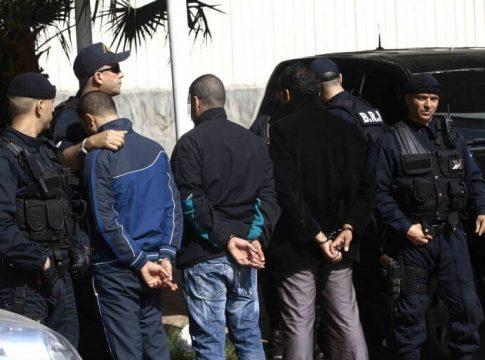 Arrestation de militants kabyles par la police algérienne