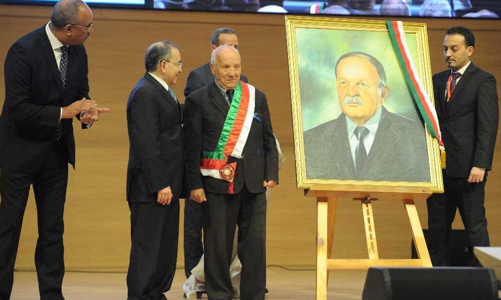 Votez pour le portrait de Bouteflika