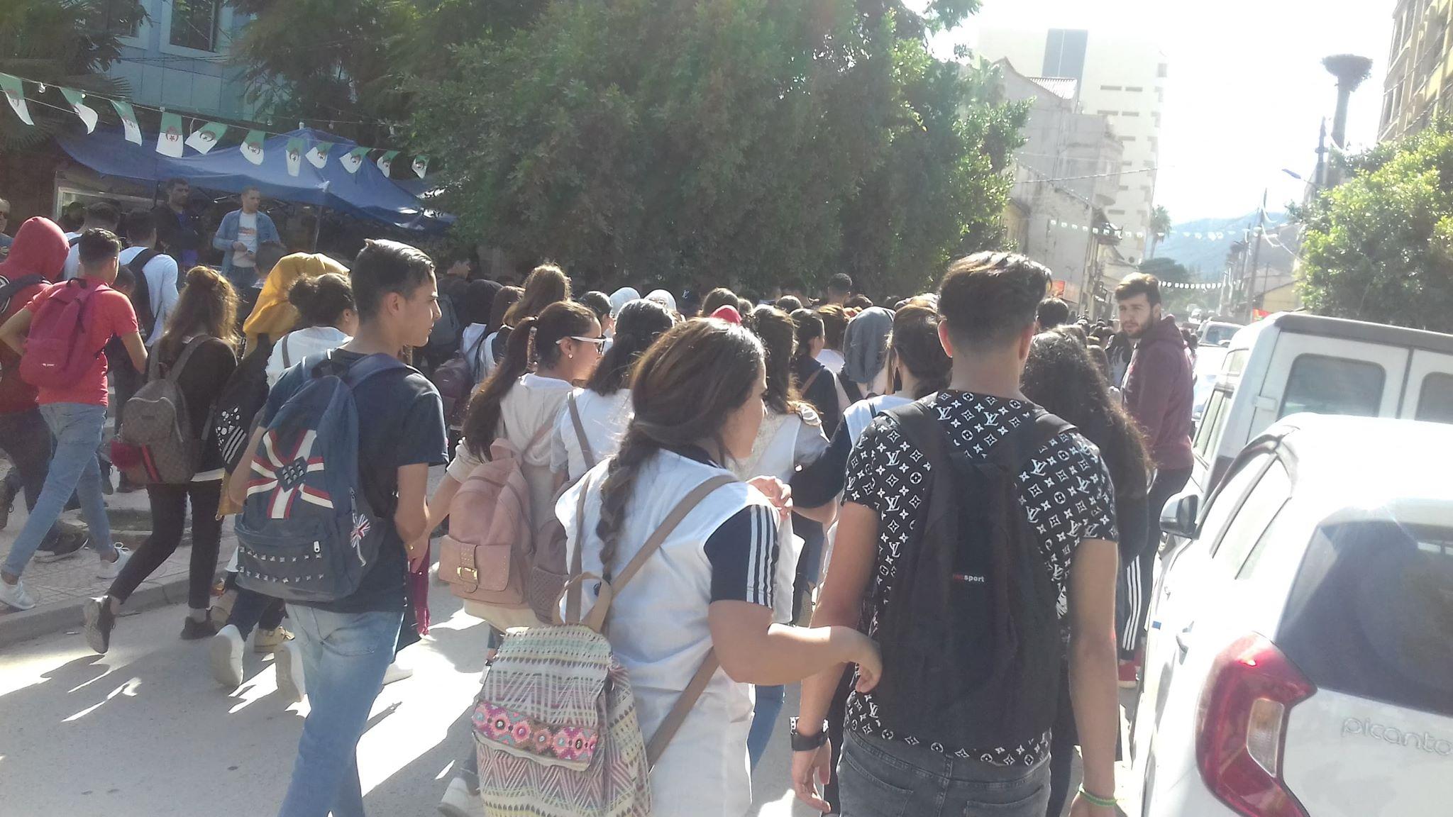 les écoliers kabyles veulent tamazight