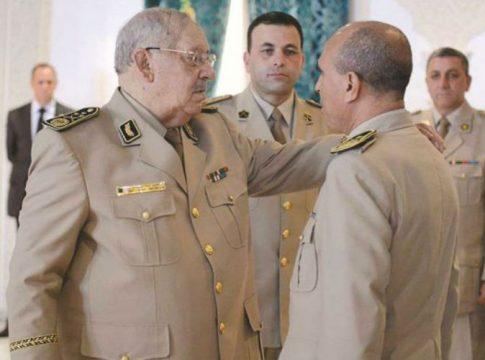 Le general Gaid Salah