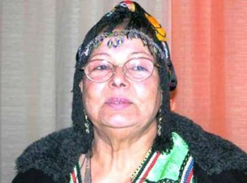 La chanteuse kabyle Djamila
