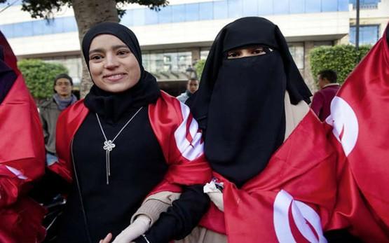 La Tunisie interdit le Niqab
