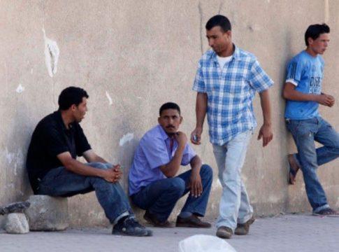 Des chômeurs à Bgayet