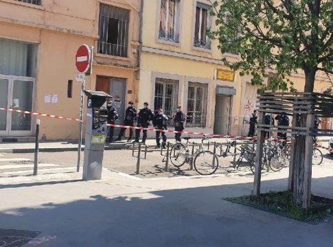 Les loups gris attaquent l'association kurde de Lyon et blessent gravement 4 personnes